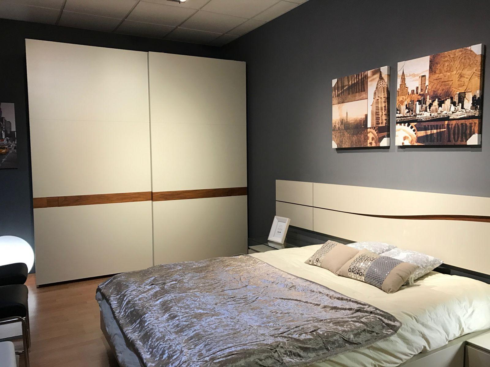 Dormitorio matrimonio armario laca blanca for Estantes dormitorio matrimonio